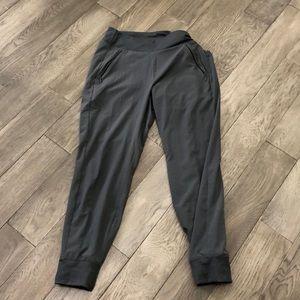 Women's Athleta gray lined jogger pants, 6